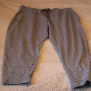 Under Armour Cropped Joggers